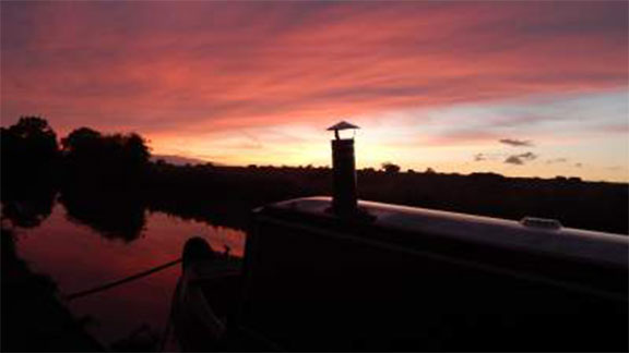 Narrowboat_FrontSunset